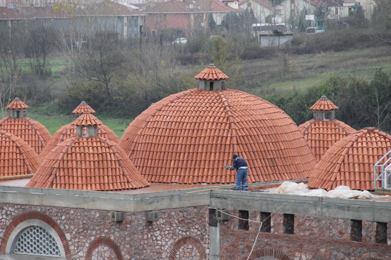 'Gölcük Tarihi Yazlık Ilıca'larının çatıları